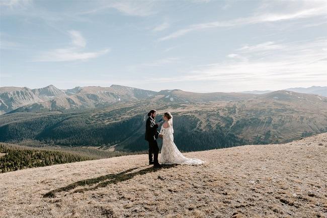 Courtney60-Lynn-colorado-adventure-elopement-packages-destination-wedding-photographer-estes-park-elope-vow