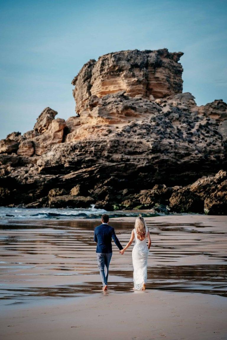 Hochzeit-in-Portugal-an-der-Algarve-02-elopement-wedding-beach-intimate-ceremony-coast-sand-sea-sunset-love-elope