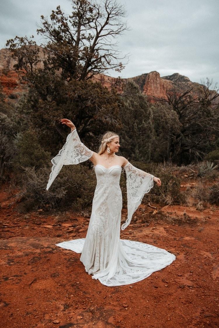 Jaci42-Berkopec-Bohemian-Chic-Vibes-Destination-Elopement-Intimate-Wedding-Photographer-Sedona-Arizona-Adventure