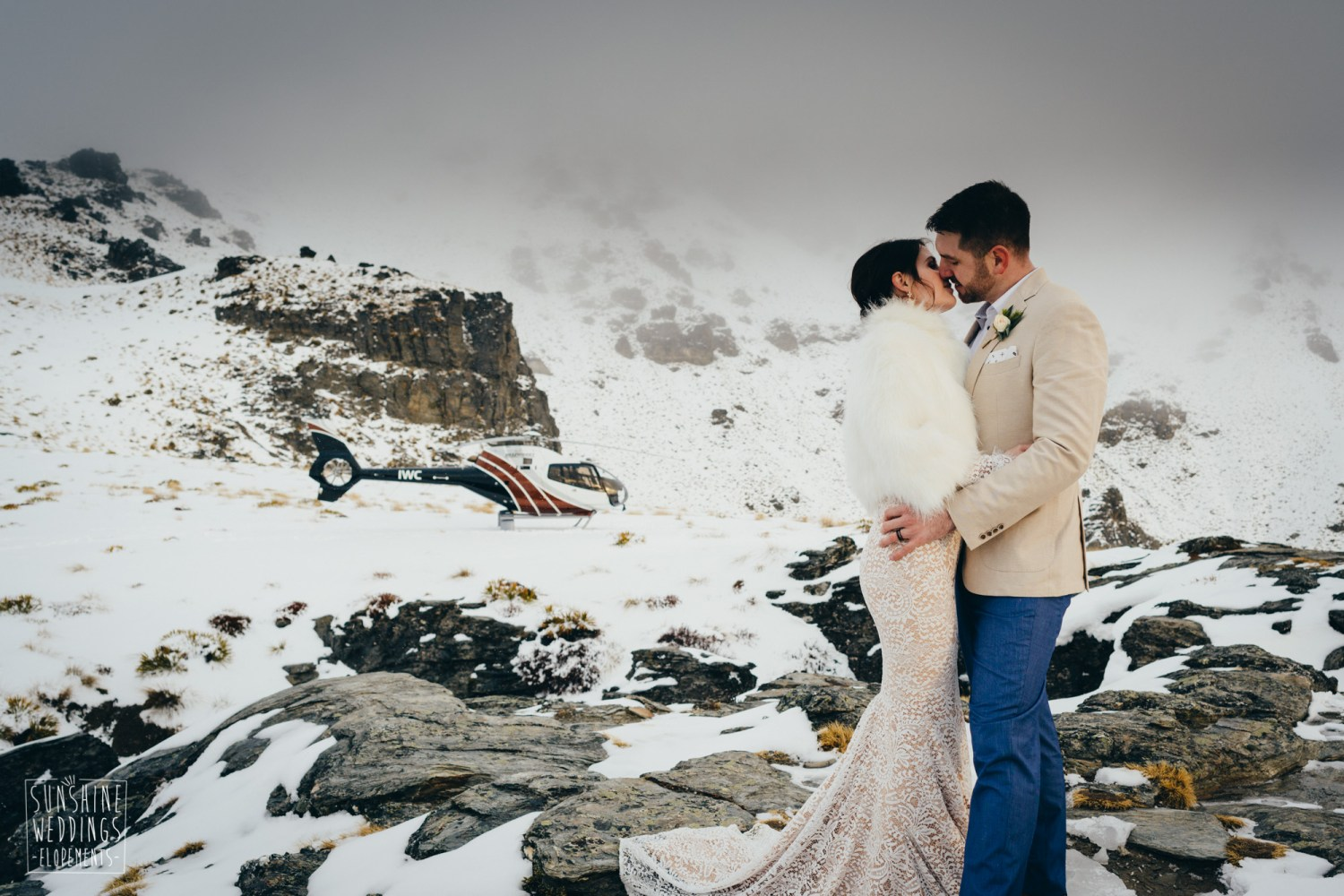 romantic winter elopement photography
