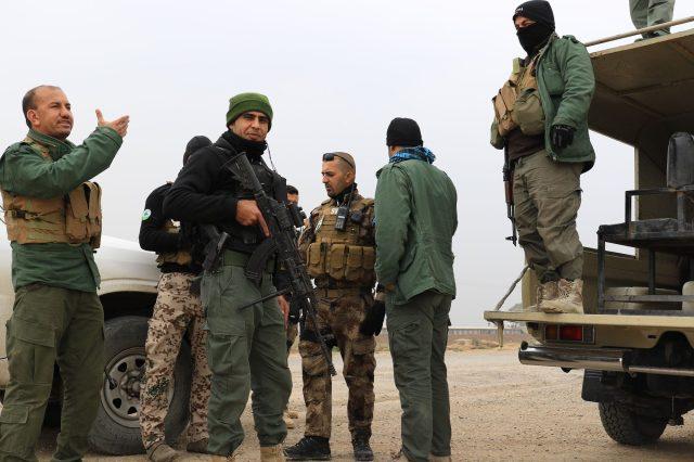 Convoy peshmerga cerca de Tuz Khurmatu, Irak. Antonio Ponce (30 de Enero 2015)