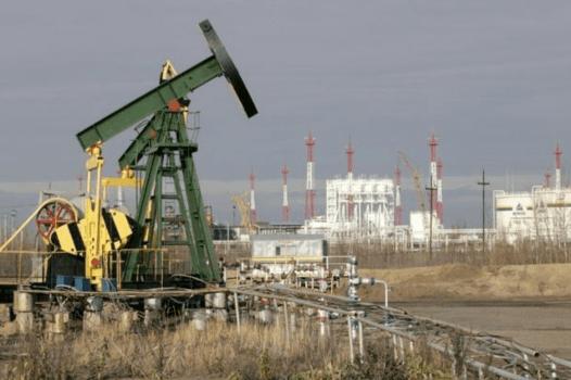 Fotografía de uno de los muchos campos petrolíferos que Yukos poseía en la ciudad de Nefteyugansk.