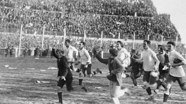 Imagen del combinado uruguayo tras vencer a Argentina en la final.