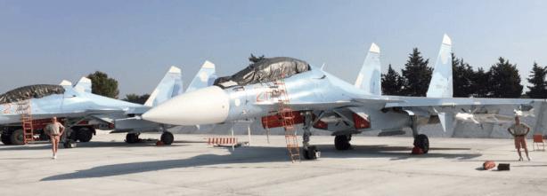 Dos Su-30SM estacionados en Hmeymim, Latakia. Fuente: Sputniknews.com