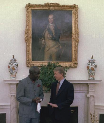 Kenneth Kaunda junto con el presidente estadounidense Jimmy Carter durante una visita oficial a la Casa Blanca en 1978. Fuente: Wikimedia