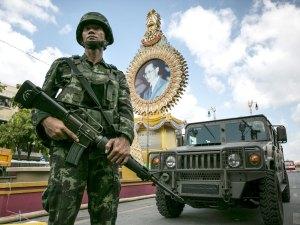 Tailandia, la democracia de los militares