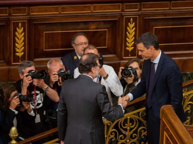 Un relevo exprés en el Gobierno de España