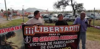 Mineros se manifiestan en el cereso, piden liberación de lider sindical/El Otro Enrfoque