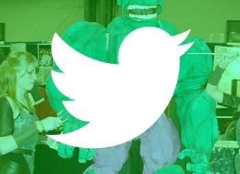 El tuit de mayo - Superhéroe fail