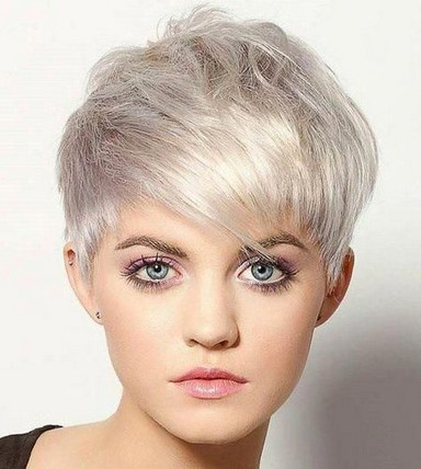 17 Gorgeous Short Hairstyles Ideas For Women 04