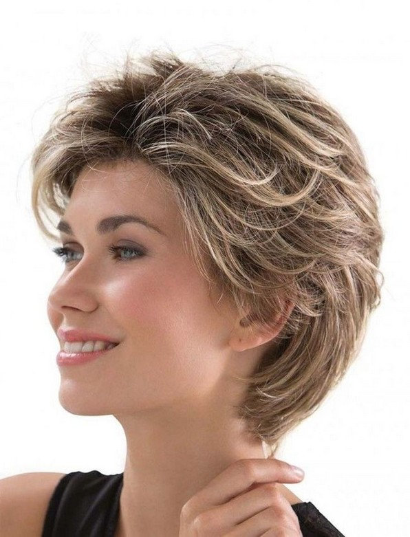17 Gorgeous Short Hairstyles Ideas For Women 06