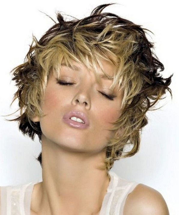 17 Gorgeous Short Hairstyles Ideas For Women 16