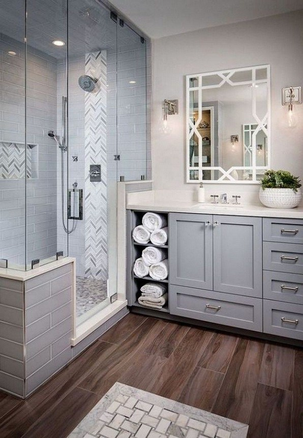 18 Good Small Master Bathroom Remodel Ideas 17