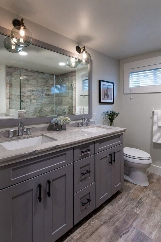 18 Good Small Master Bathroom Remodel Ideas 21