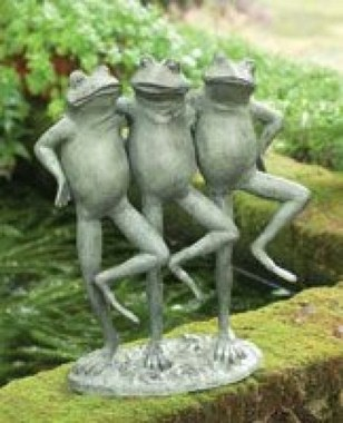 15 Stunning Frogs In The Garden And Home 06