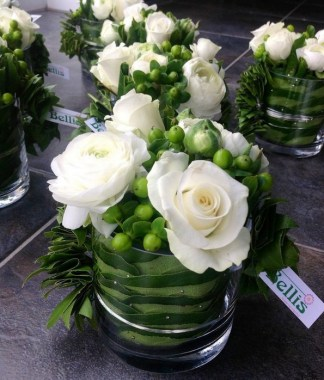 16 Beautiful Rustic Green And White Flower Arrangements 19