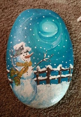 16 Best DIY Christmas Painting Rocks Design 06