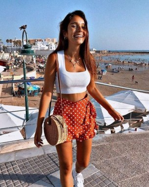 18 Graceful Summer Fashion Trends Ideas For Women To Look Cool 16