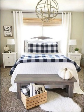 19 Amazing Warm Master Bedroom Makeover Fixer Upper Style Ideas 01