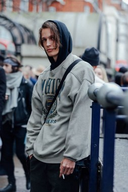 20 Catchy Outfit Street Style Ideas For Men 2019 08