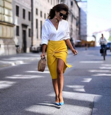 20 Enchanting Work Outfits Ideas To Wear This Summer 15