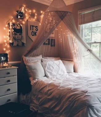 20 Finest Shabby Chic Bed Canopy Designs Ideas 12