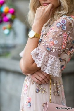 21 Best Ideas To Wear Floral 22