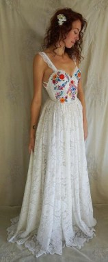 21 Charming Boho Chic Wedding Dresses Ideas 19