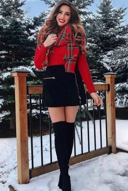 19 Simple Christmas Outfits Ideas To Recreate For Holidays 28