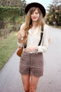 20 Charming Summer Outfit Ideas For Ladies 08