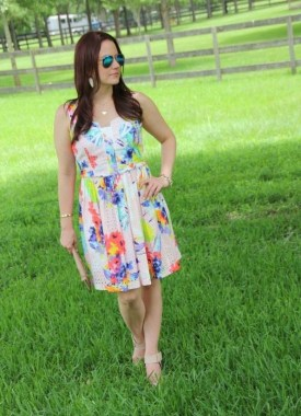 20 Charming Summer Outfit Ideas For Ladies 11
