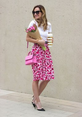 20 Lovely Floral Skirt Dresses Outfits Ideas For Spring 2019 19