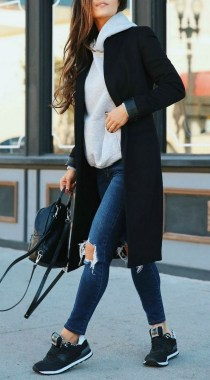 21 Classy Women Winter Outfits Ideas 04