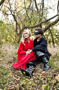 26 Unique And Creative Halloween Couples Costumes Ideas 33