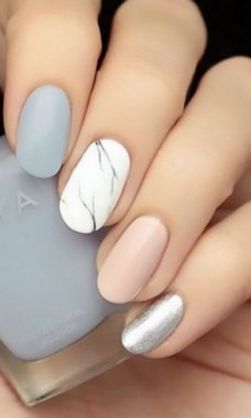 20 Be Unique With These Water Marble Nail Art 03