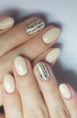 20 Fashionable Patterns For Winter Nail Arts 13