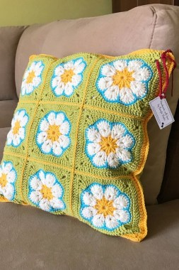 21 Free Knitted Pillows For Home Decoration New 14