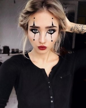 21 Pretty But Scary Clown Makeup For Teen Girls 03