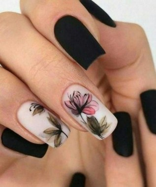 22 Cute Flower Nail Art To Try For The Spring 13