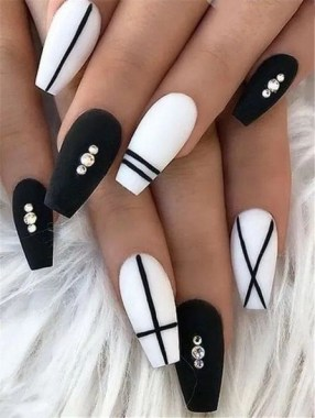 27 Coffin Nail Designs To Copy 22