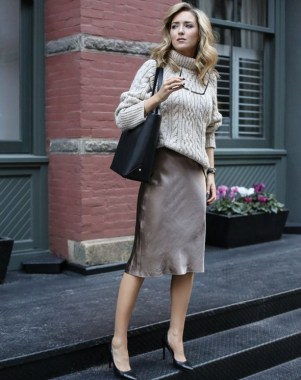 29 This Classy Skirt Is Your Best Choice For Work During Fall 18