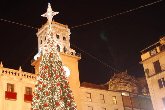 La Plaza del Ayuntamiento de Alicante en Navidad