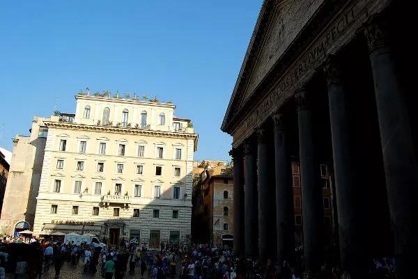 A la sombra del Panteón de Roma
