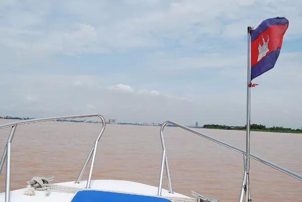 Cruzar la frontera de Vietnam a Camboya por el Mekong