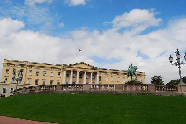 El palacio real de Oslo o Det Kongelige Slott