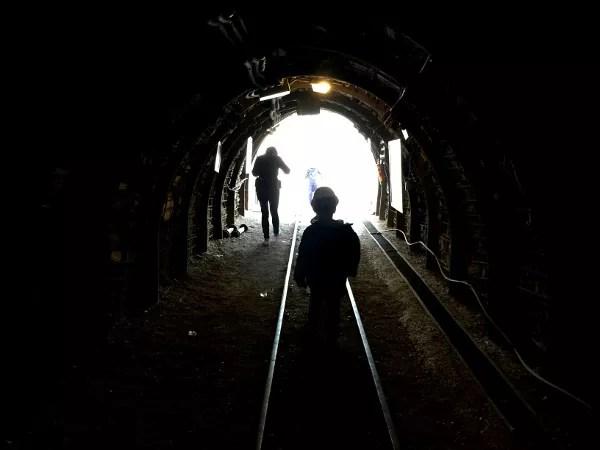 Fotos Museo Minero de Escucha, Teo saliendo del pozo