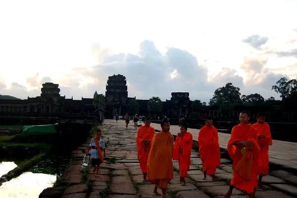 Fotos de Angkor, monjes budistas en Angkor Wat