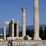 Fotos de Atenas en Grecia, Templo de Zeus Olimpico vertical