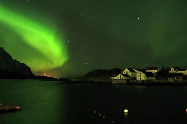 Fotos-de-Auroras-Boreales-en-Noruega-Henningsvar-en-Lofoten ▷ El mejor lugar de Noruega para ver la aurora boreal