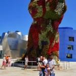Fotos de Bilbao, Pau, Vero, Teo y Oriol oso Museo Guggenheim